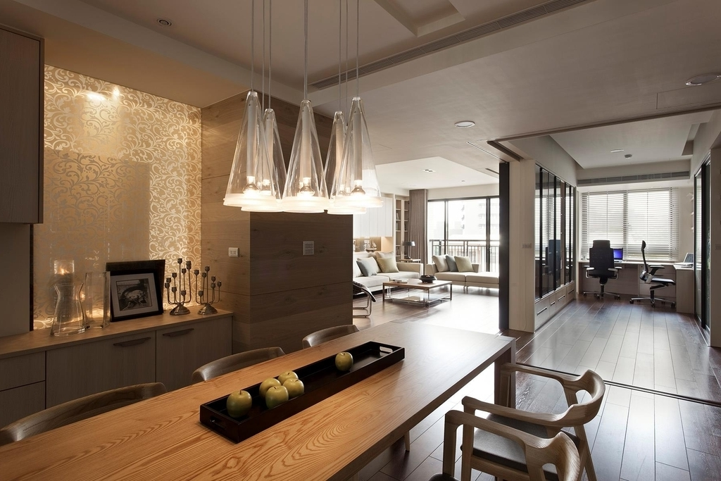 Contemporary Dining Room With Pendant Lighting Fixtures (Image 3 of 10)