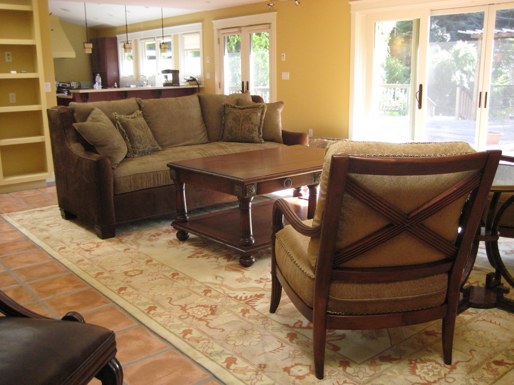 Easy Oriental Rug Flooring For Living Room (Image 7 of 24)