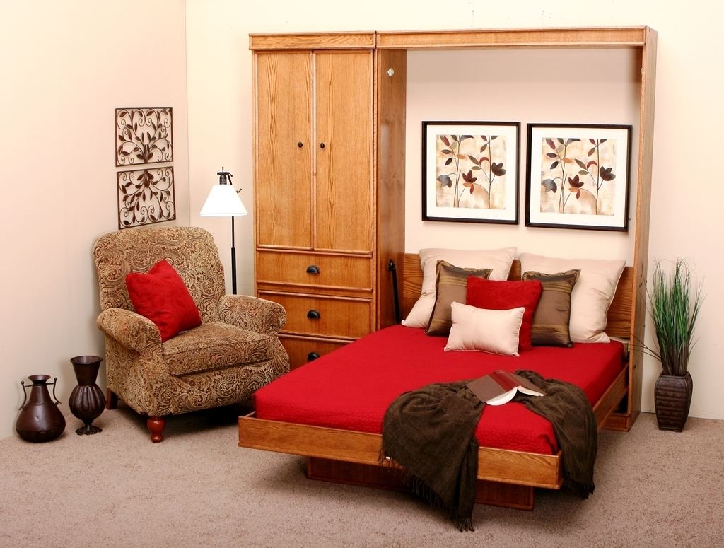 Modern Bedroom With Shag Rug Carpet Flooring (View 11 of 13)