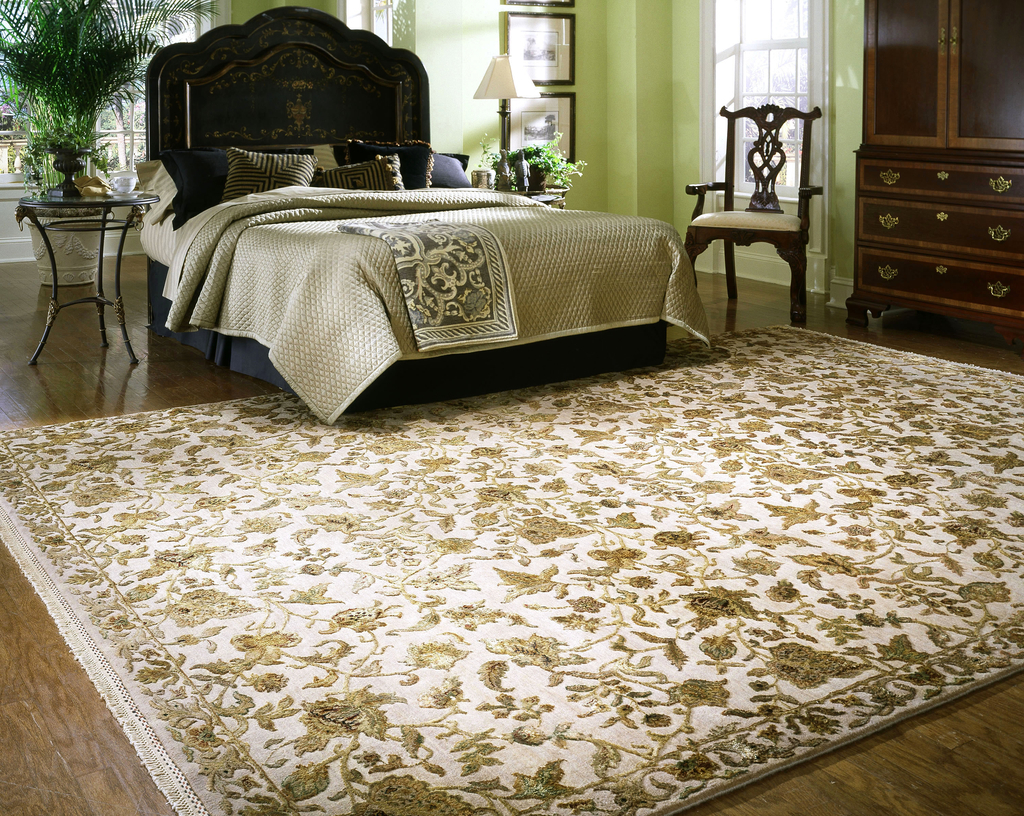 Oriental Rug Decor For Bedroom (Image 13 of 24)