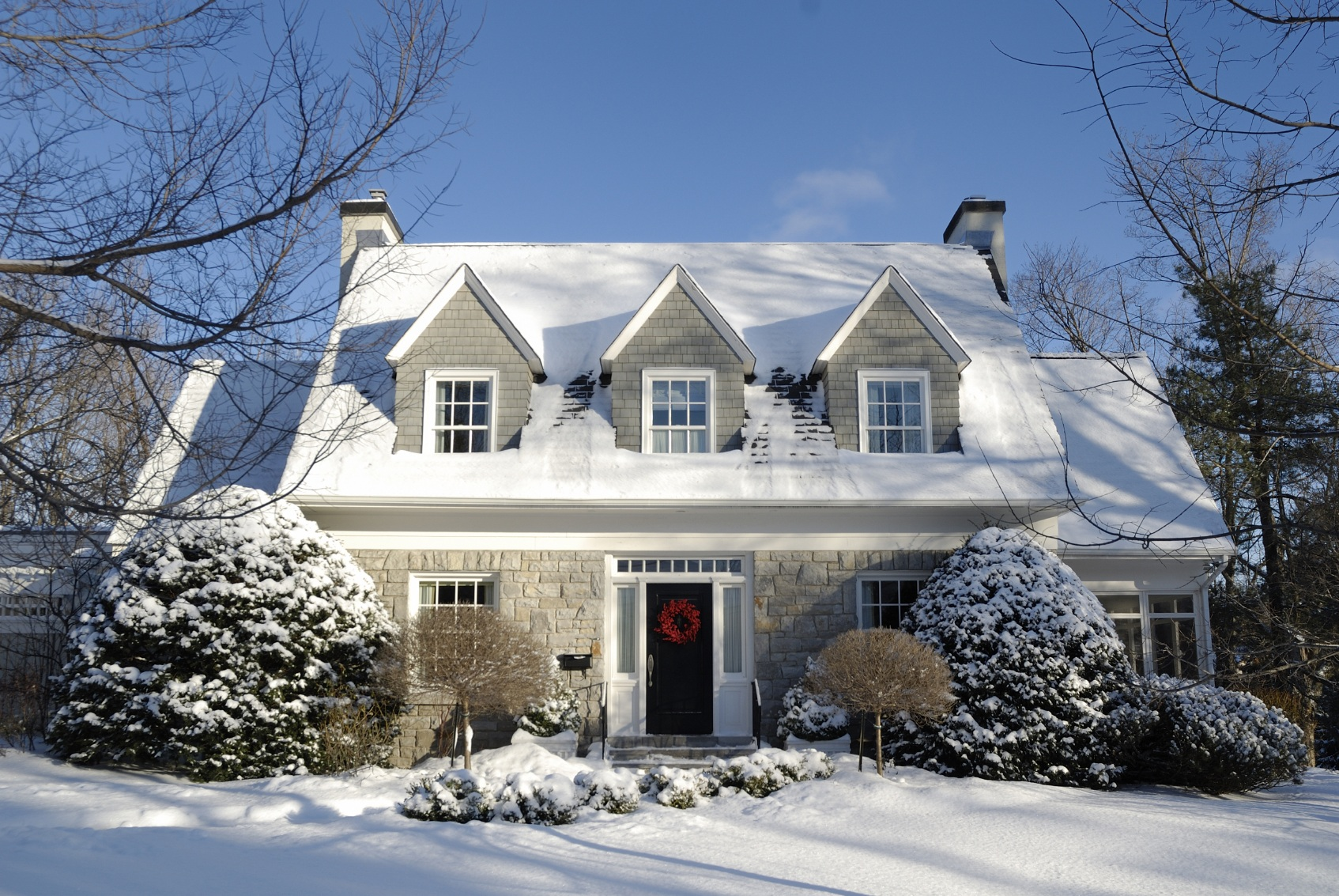 House Exterior For Winter (Image 1 of 4)