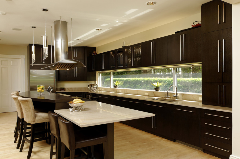 Best Contemporary Kitchen With Long Glass Windows (Image 1 of 8)