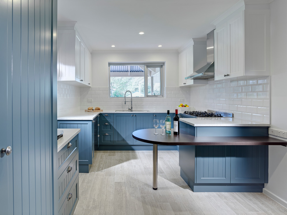 Best Kitchen Bar Remodel In Blue Color (Image 4 of 21)