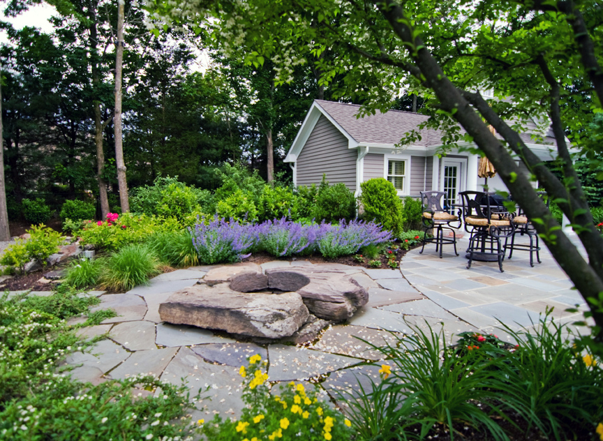 Best Stone Rock Yard For Modern Home Garden (Image 3 of 11)