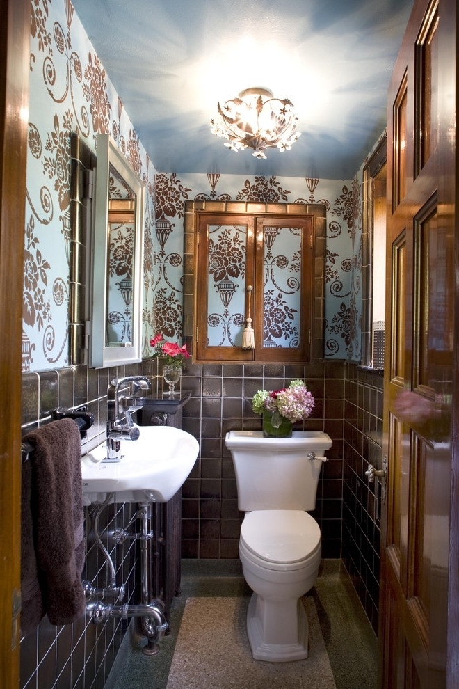 Best Tiny Bathroom Remodel For Classy Look (Image 3 of 10)