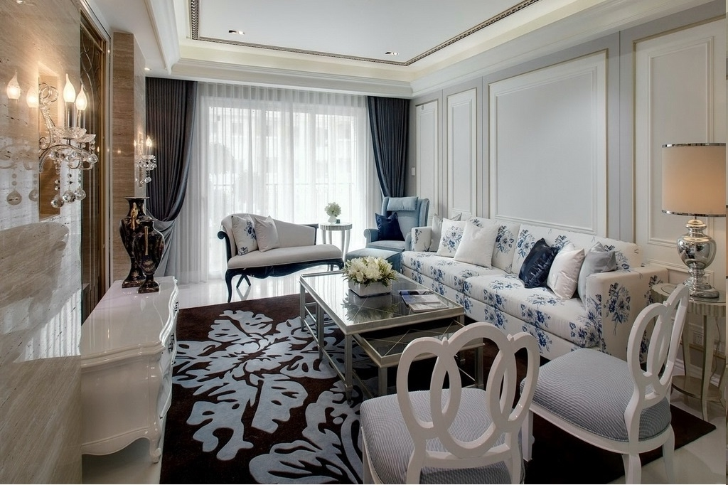 Chic European Living Room Luxury Design (View 2 of 6)