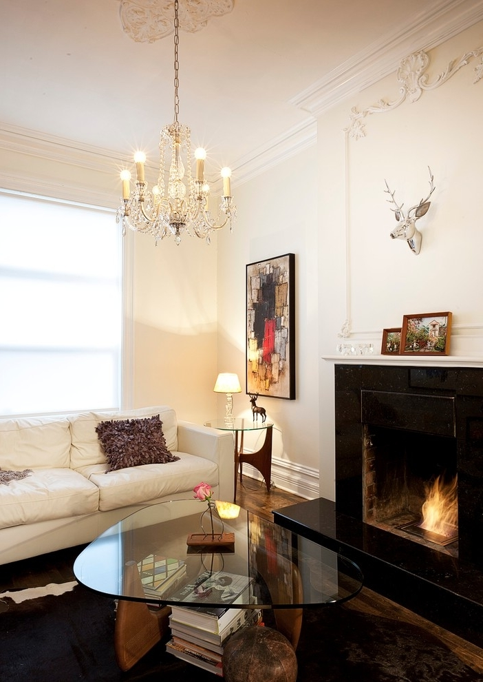 Classic Chandelier For Modern Living Room (Image 1 of 8)