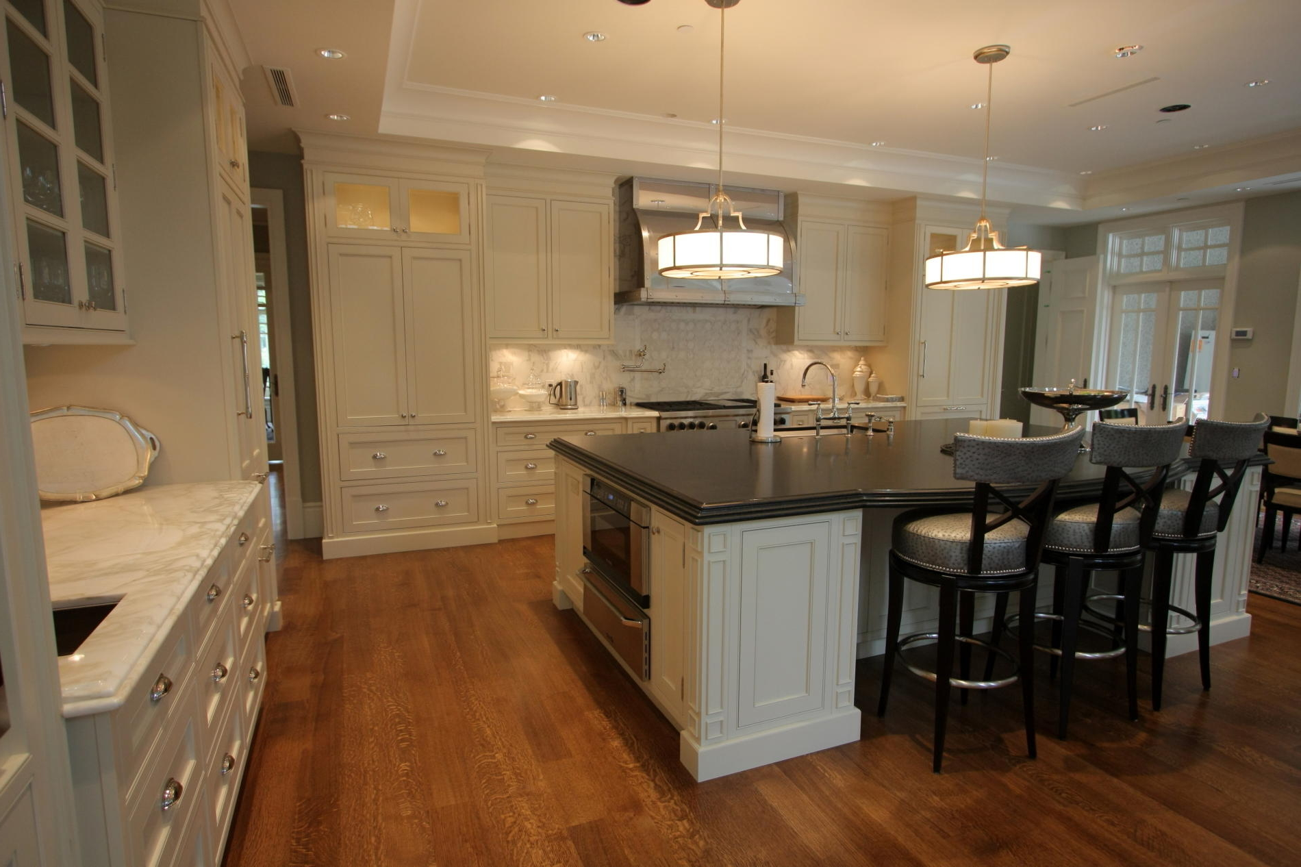 Classic Victorian Kitchen With Natural Color (Image 1 of 8)