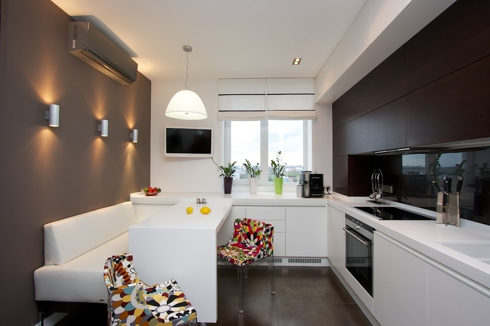 Contemporary Kitchen With Air Conditioner (Image 7 of 19)