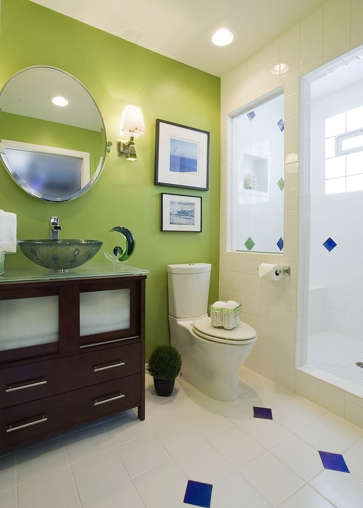Cozy Bathroom In Fresh Green Color (Image 3 of 8)