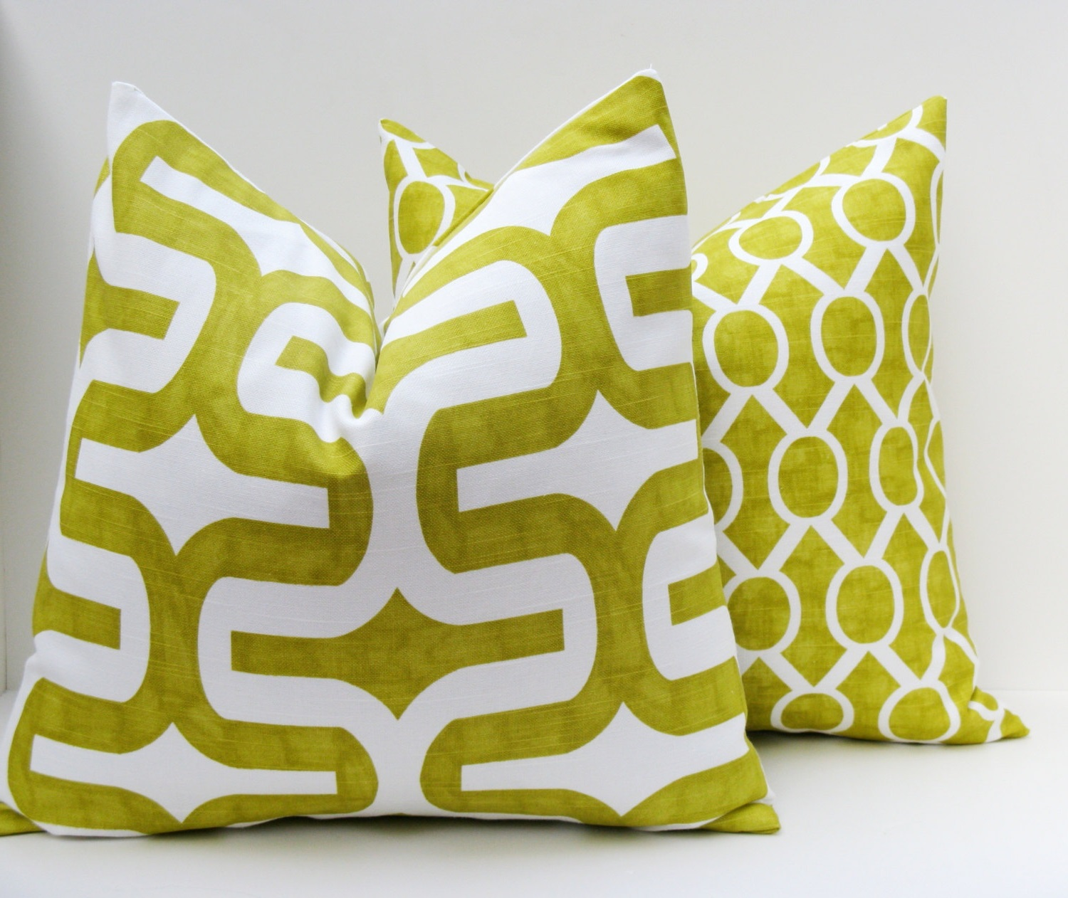 Cozy Sofa Pillows Cover In Green Color (Image 5 of 20)
