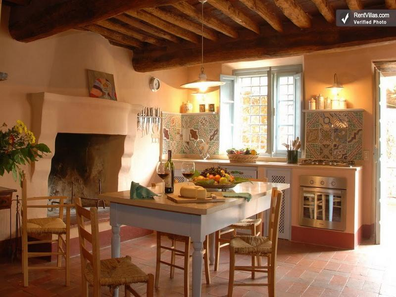 Tuscan kitchen interior design 1215 house decor tips for Tuscan decorations for home