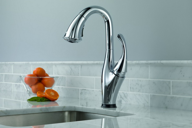Delta Addison Kitchen Faucet (Image 2 of 7)