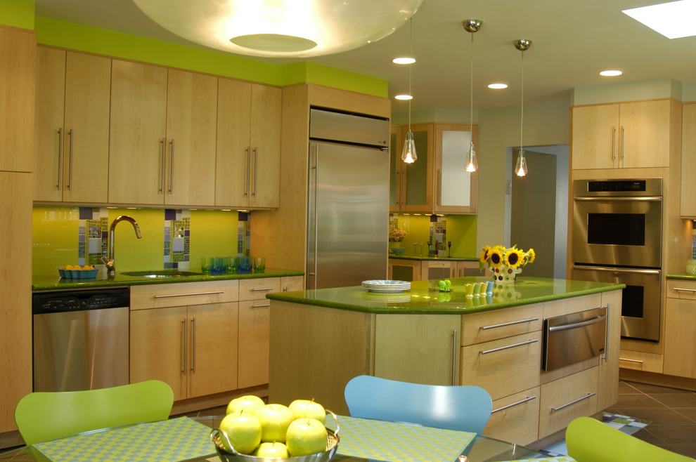 Eclectic Kitchen In Green Color Schemes (Image 4 of 8)