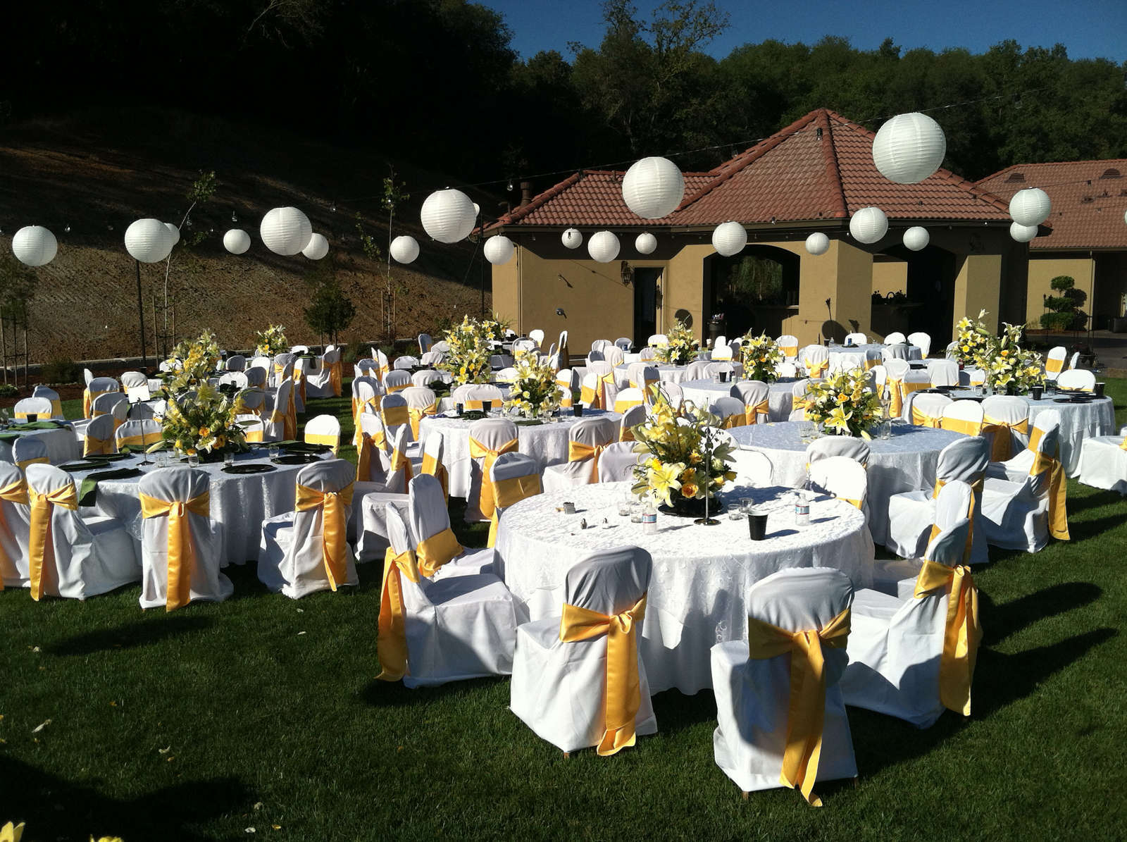 Garden Wedding Round Tables And Chairs Decor (Image 2 of 8)