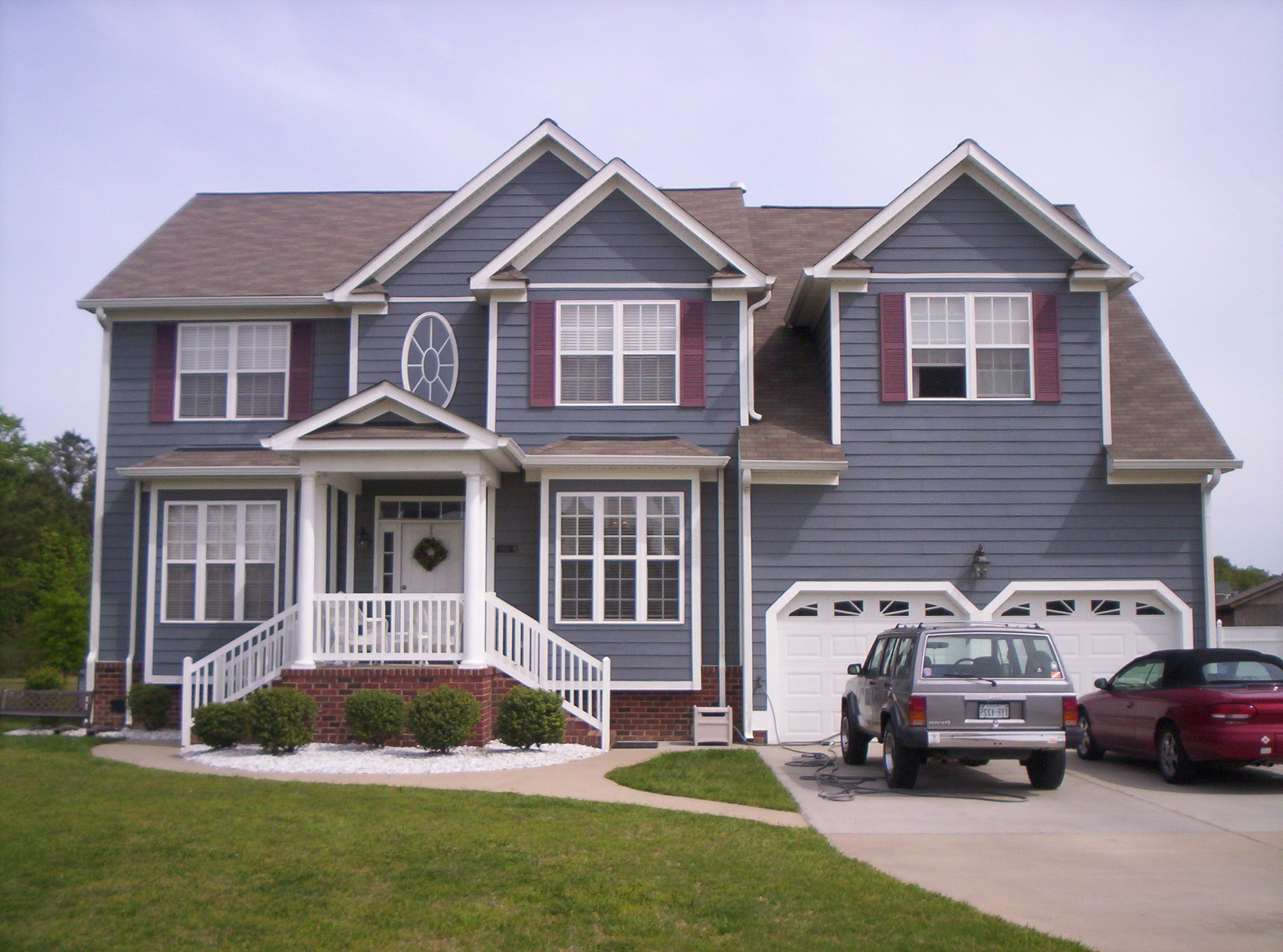 Gray House Exterior Paint Color (View 5 of 12)