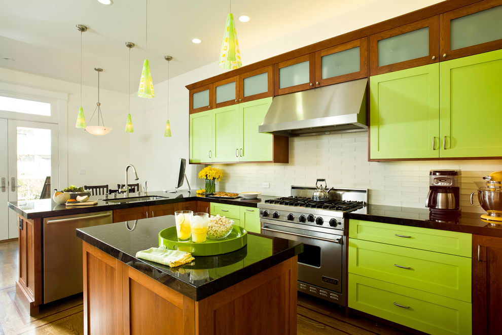 Green Repaint For Contemporary Kitchen Cabinet (View 7 of 13)