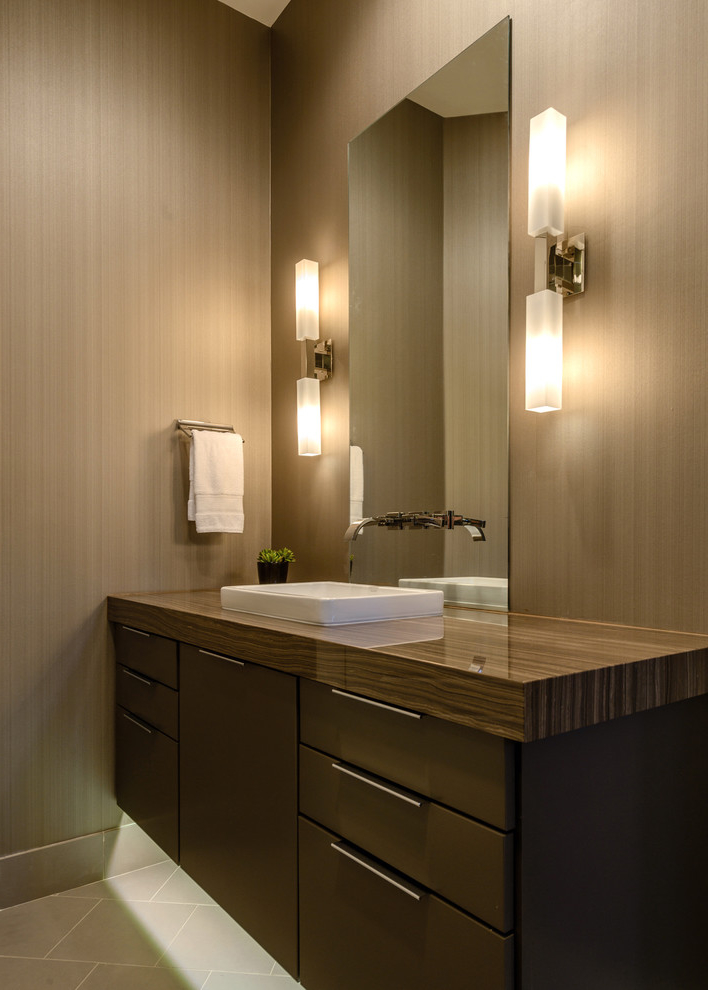 Led Illuminated Bathroom Mirrors Minimalist Ideas (Image 11 of 16)