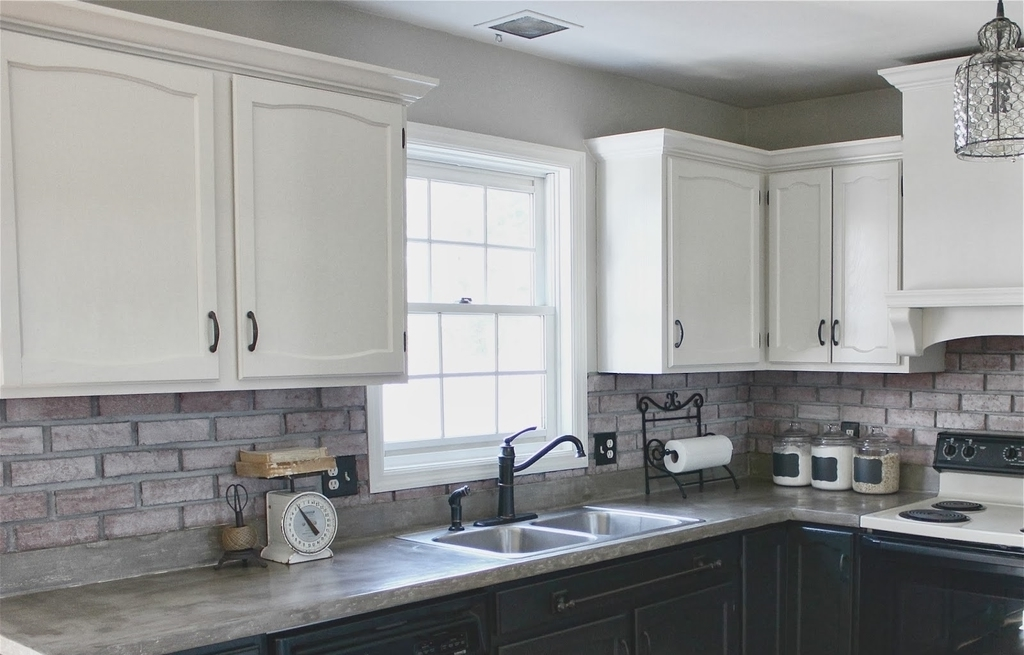 Marble Kitchen Countertops With White Cabinets (Image 7 of 12)