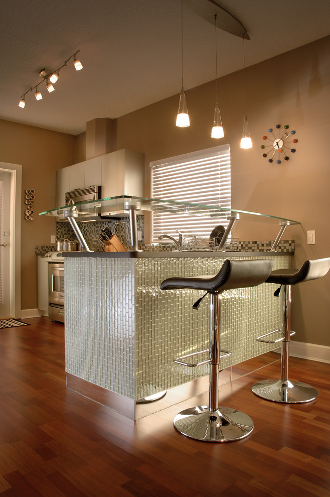 Modern Kitchen Bar With Glamour Look (Image 18 of 21)