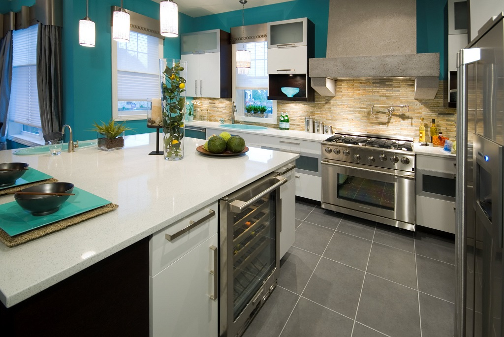 Porcelain Tile Flooring For Modern Kitchen In Gray Color (Image 3 of 4)