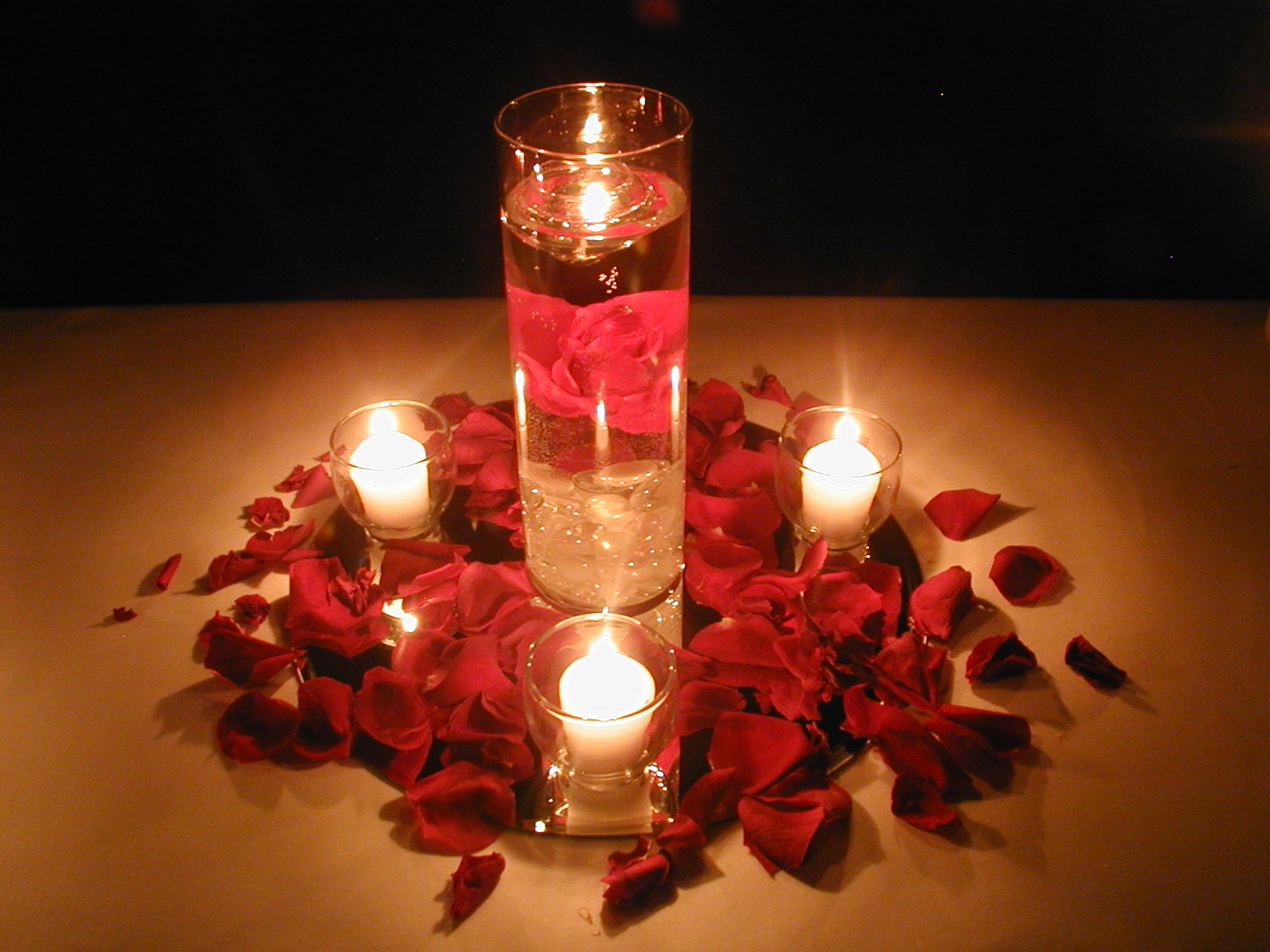 Romantic Wedding Centerpieces For Night Party (Photo 1 of 13)