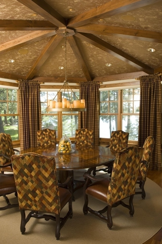Rustic Curtain Style For Rounded Dining Room (View 2 of 6)