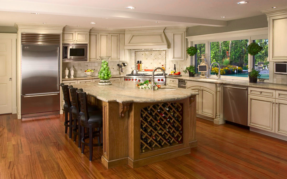 Victorian Kitchen With Wooden Flooring (Image 6 of 8)