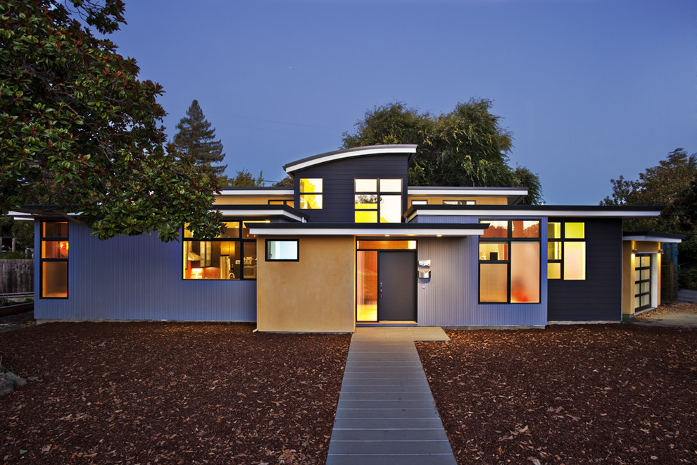 Warm Contemporary Home Exterior Paint (Image 4 of 12)