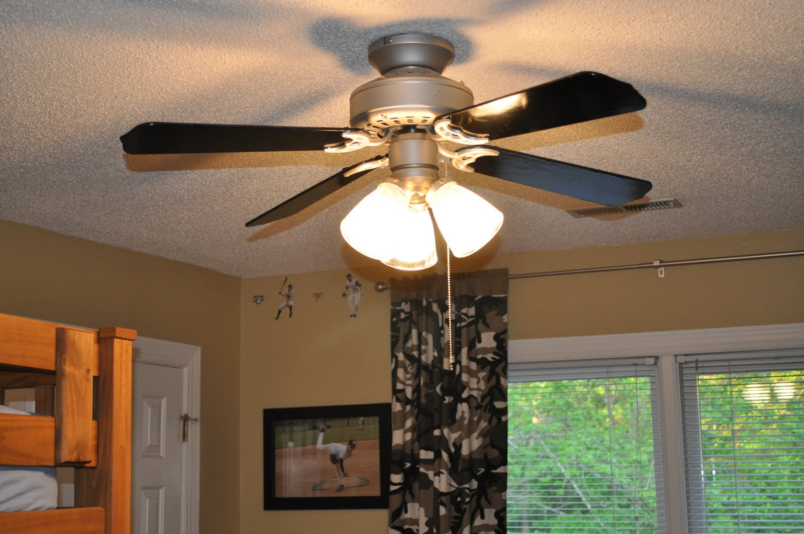 A Ceiling Fans At Living Room (View 6 of 10)