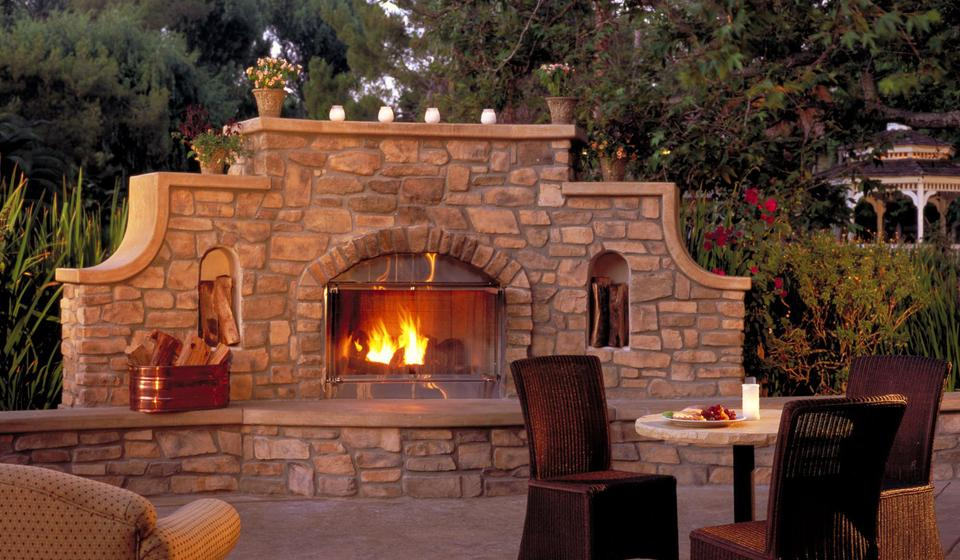 Amazing Exterior Fireplace (Image 1 of 10)