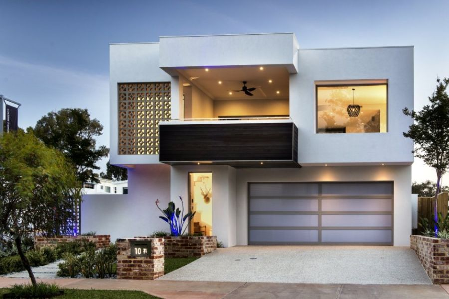Amazing Modern House With White Garage (Image 1 of 11)