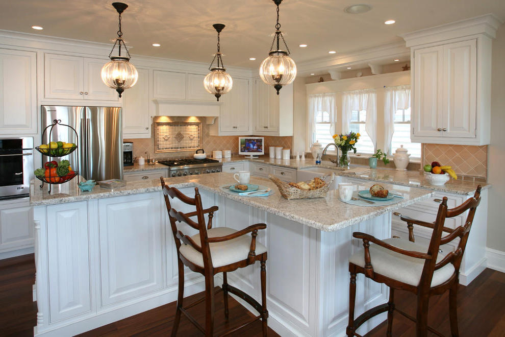 Beach Style Kitchen Lighting For Traditional Look (Image 3 of 10)