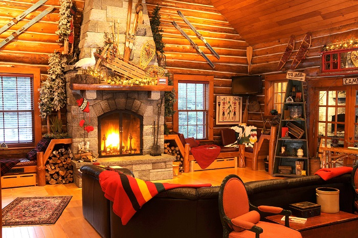 Beautiful Cabin Decoration (Image 2 of 10)