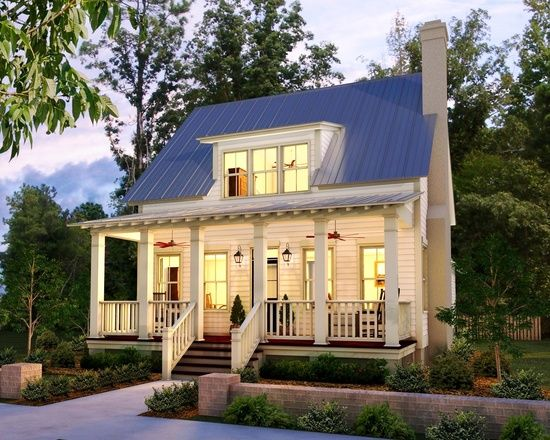 Beautiful Simple LowCountry Cottage Design (Image 1 of 8)