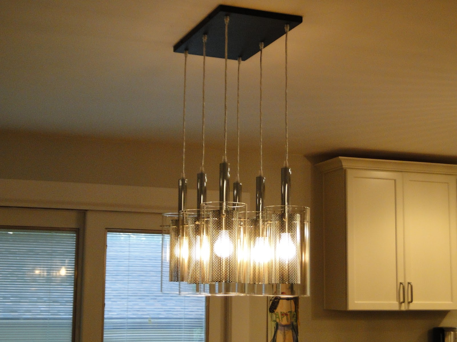 Unused bottle for light up your dining room 2474 dining for Unused dining room ideas