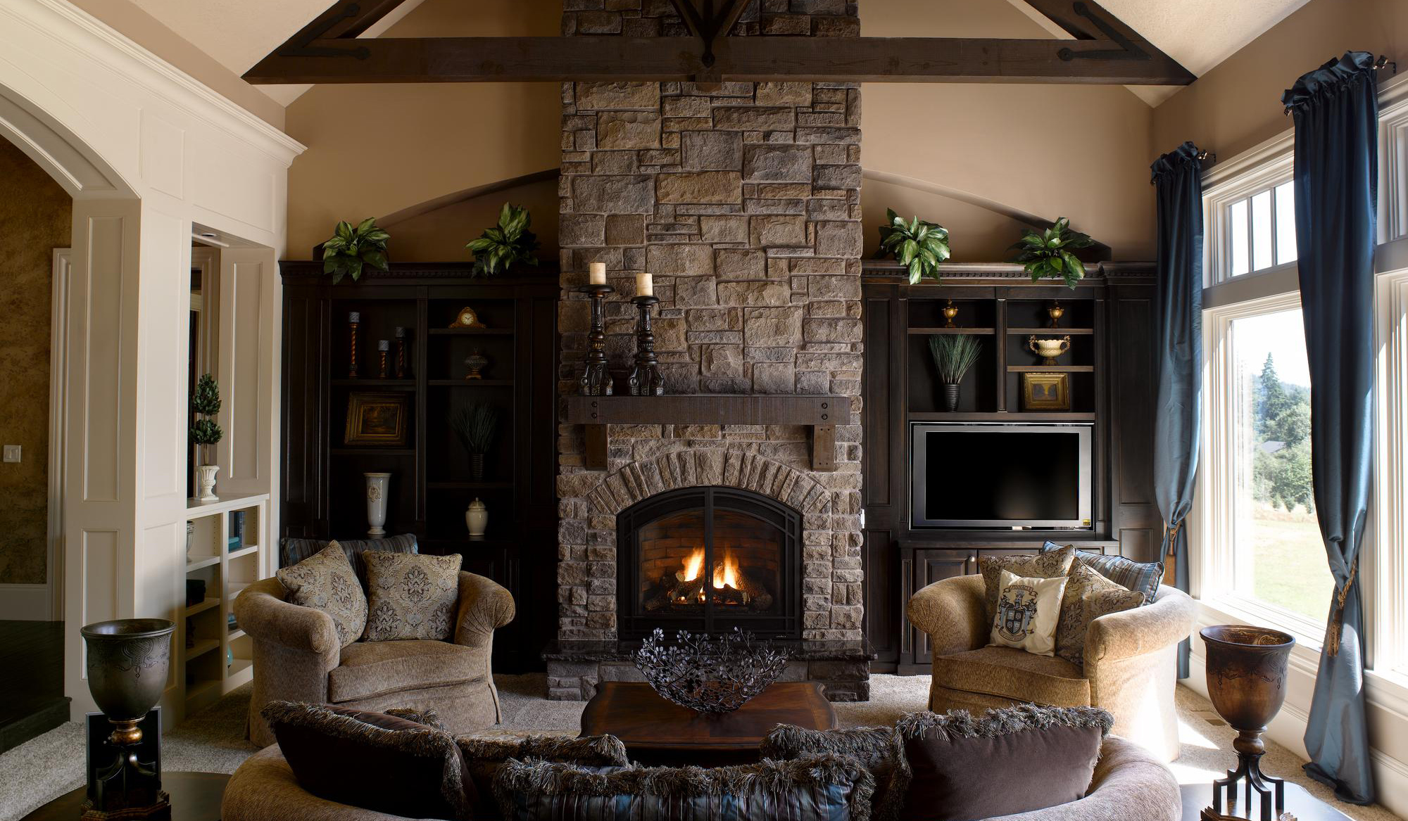 Beautifull Fireplace Stone (Image 3 of 10)