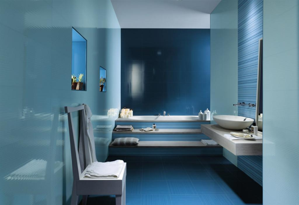 Blue White Ceramic Bathroom (Image 4 of 8)