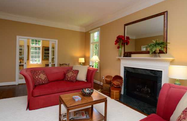 Choosing The Right Colors For Living Room (View 9 of 10)