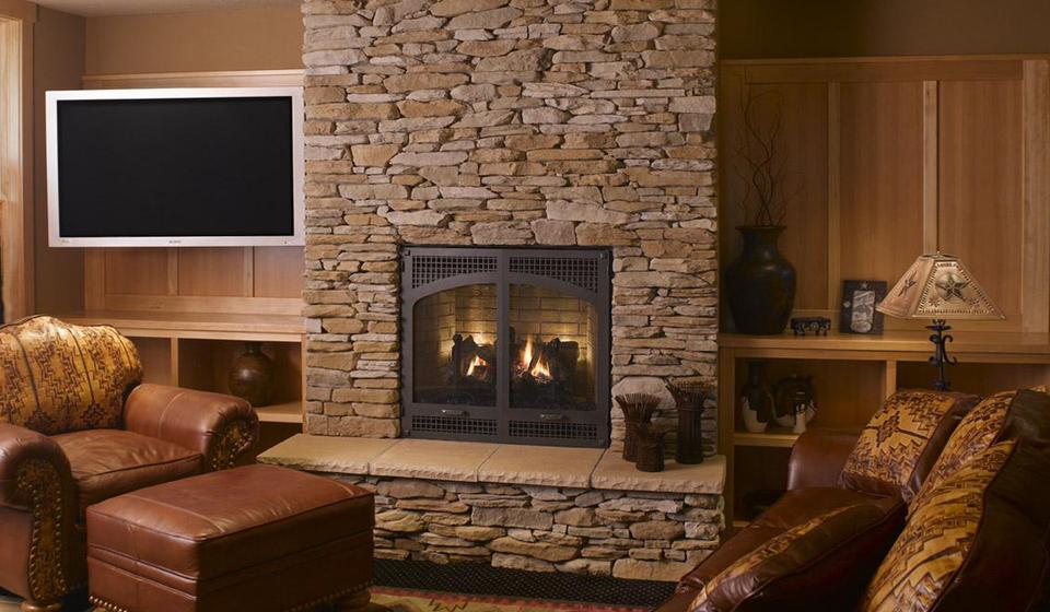 Classic Fireplace With Classic Living Room Design (Image 4 of 10)