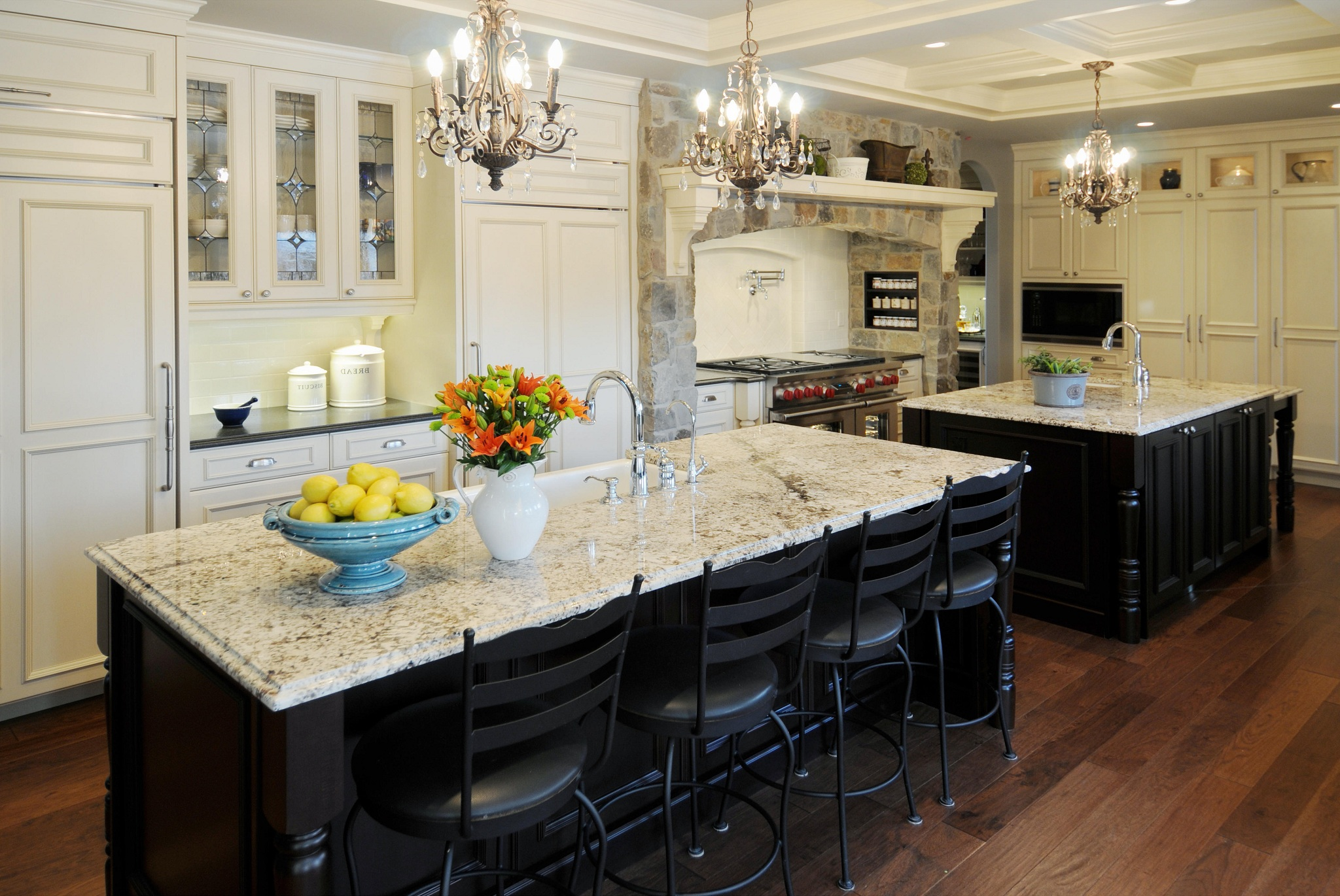 Classic Kitchen Pendant Lighting (Image 4 of 10)