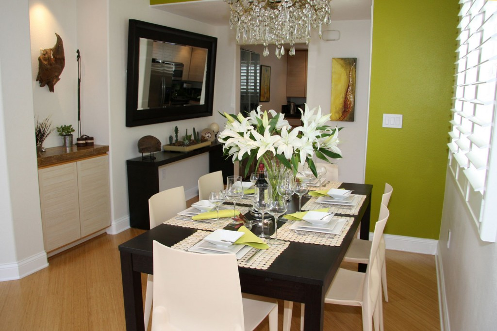 Dining Room With Small Space Design Image 3 Of 10