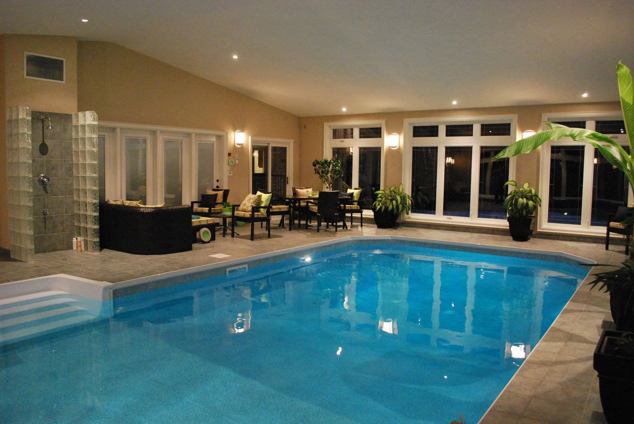 Photo Gallery of Cozy Private Indoor Swimming Pool (7 of 10)