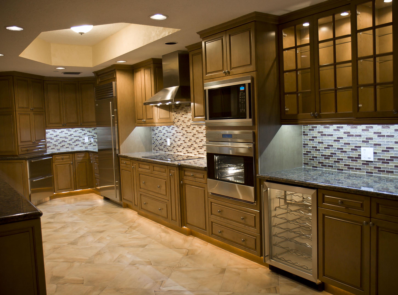Elegant Painting Kitchen (Image 3 of 8)