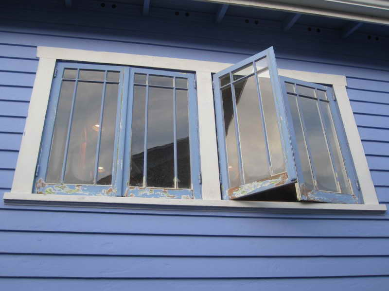 High Quality Material Of The Larson Storm Windows With Blue Colour (Image 2 of 10)