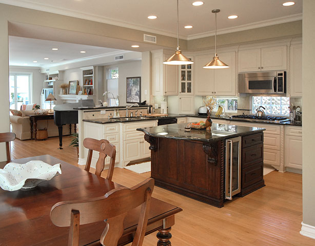 Lighting Compact Kitchen And Dining Room (Image 7 of 10)