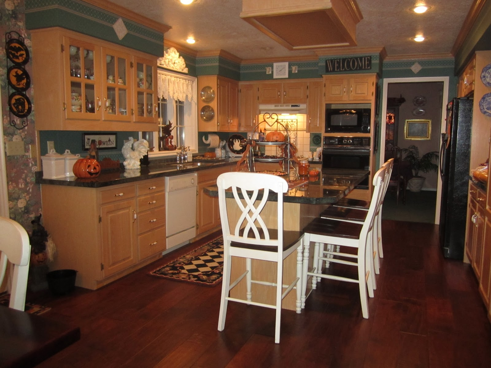 Saving space in the kitchen tips 2278 house decor tips for Save space kitchen
