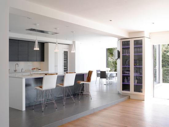 Modern Kitchen Bar Design (View 4 of 10)