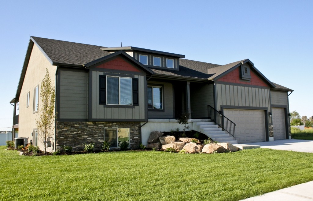 Nilson Homes Model With Garage