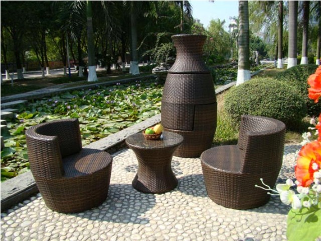 Old Inspired Wood And Metal Garden Furniture Ideas (Image 8 of 9)